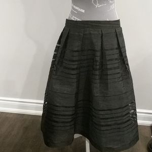 Forever 21 black lined skirt